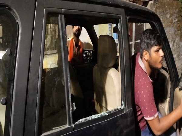 Union Minister Gajendra Singh Shekhawat's convoy was allegedly attacked by TMC workers on Thursday.
