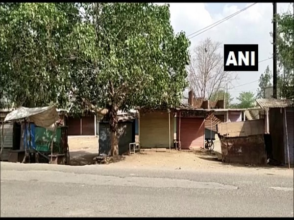 People in Damoh observe self-imposed lokdown amid surge in COVID cases. [Photo/ANI]