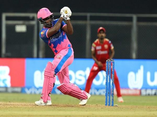 Rajasthan Royals skipper Sanju Samson in action against Punjab Kings. (Photo/ IPL Twitter)