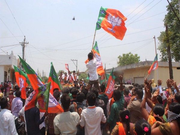 Visual from BJP president Bandi Sanjay's roadshow in Warangal (Photo/Twitter)