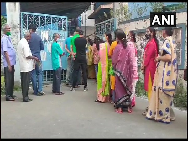 Visuals of a polling booth in Dakshineswar (ANI)