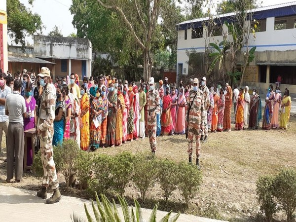 Visuals of polling in Purba Bardhaman (ANI)