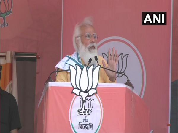 Prime Minister Narendra Modi in Dakshin Dinajpur (Photo/ANI)