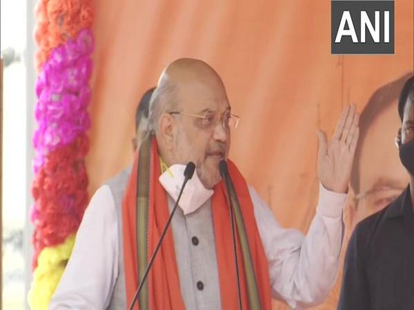 Amit Shah addressing public meeting in Purba Bardhaman on Sunday. [Photo/ANI]