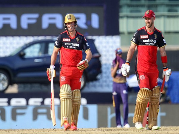 AB de Villiers and Glenn Maxwell (Photo/ IPL Twitter)