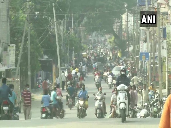 A large number of people were seen on the streets in Karnataka (Photo/ANI)