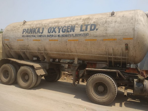 A truck en route to Uttar Pradesh's Lucknow. (Photo/ CM's Twitter handle)