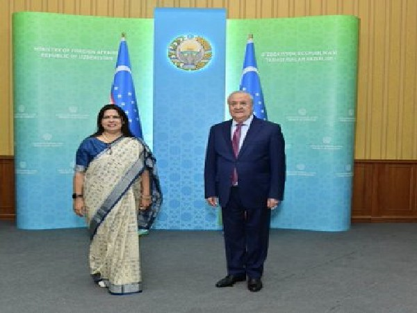 Minister of State for External Affairs and Culture (MoS), Meenakshi Lekhi and Uzbek Foreign Minister Abdulaziz Kamilov.