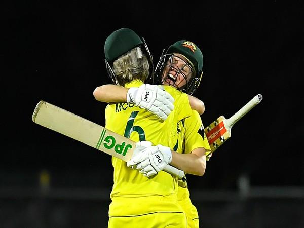 Beth Mooney and Nicola Carey (Photo/ ICC Twitter)
