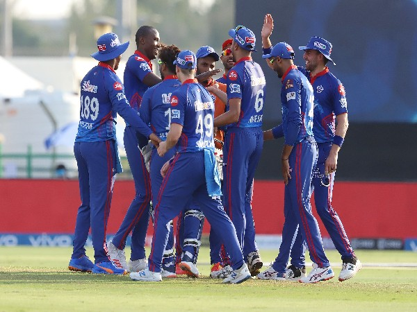 DC players celebrate the fall of a RR wicket. (Photo: Twitter/IPL)