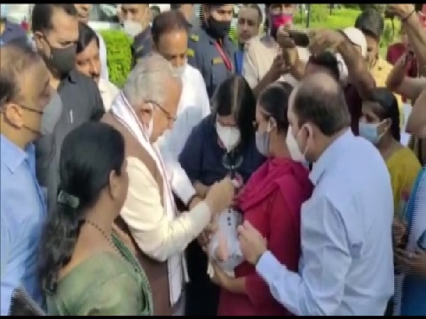 Haryana Chief Minister Manohar Lal Khattar at the launch of Pulse Polio Abhiyan in Karnal on Sunday. (Photo/ANI)