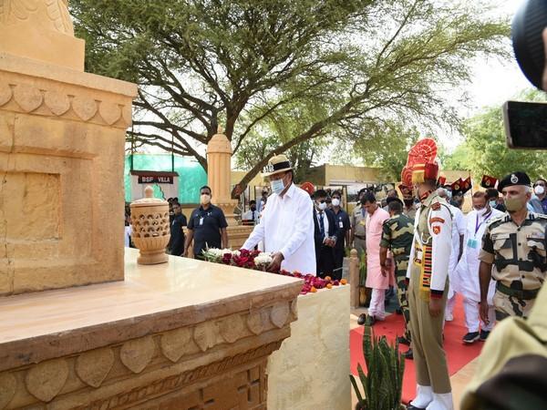 The Vice President, M Venkaiah Naidu at the Longewala war museum (Photo/Twitter)