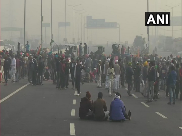 Protesting farmers on Tuesday block Ghazipur (Delhi-Ghaziabad) border completely. (Photo/ANI)
