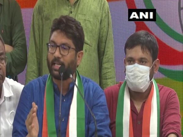 Independent MLA from Gujarat Jignesh Mewani addressing a press conference in Delhi on Tuesday. [Photo/ANI]
