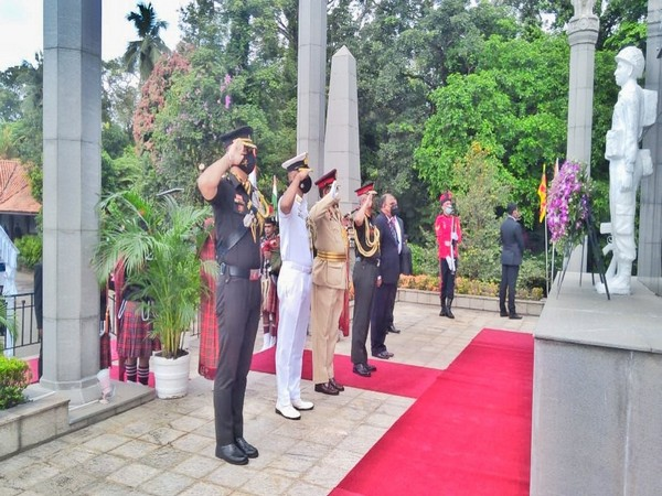 Chief of Army Staff General MM Naravane lays wreath at Indian Peace Keeping Force War Memorial in Colombo. (Photo Courtesy: Twitter/ adgpi)