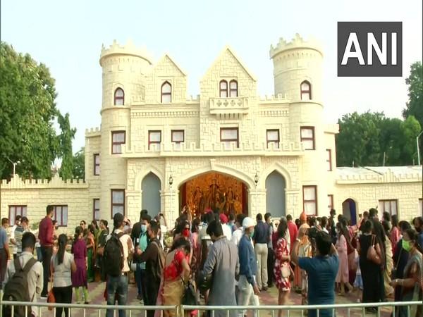 Kolkata: Salt lake FD Block designed Durga puja pandal as old English castle.