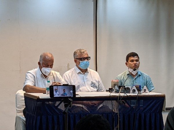 Goa MLA Prasad Shashikant Gaonkar (extreme right) (Photo/Twitter)
