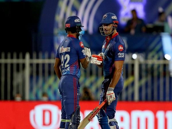 Shikhar Dhawan and Marcus Stoinis (Image: IPL Twitter)