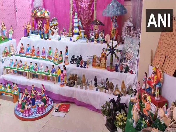 Family in Karnataka's Hubli organises toy exhibition