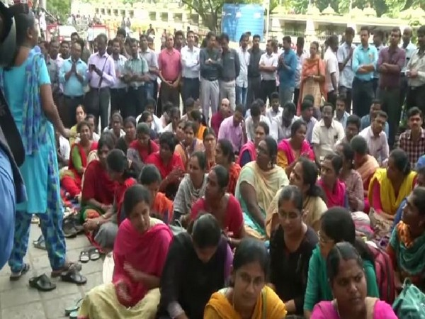 The doctors affiliated with FOGDA during their indefinite strike for the fifth day in Tamil Nadu. (File photo)