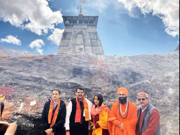 Maharashtra CM Devendra Fadnavis with wife at Kedarnath temple on Thursday. Photo/Twitter