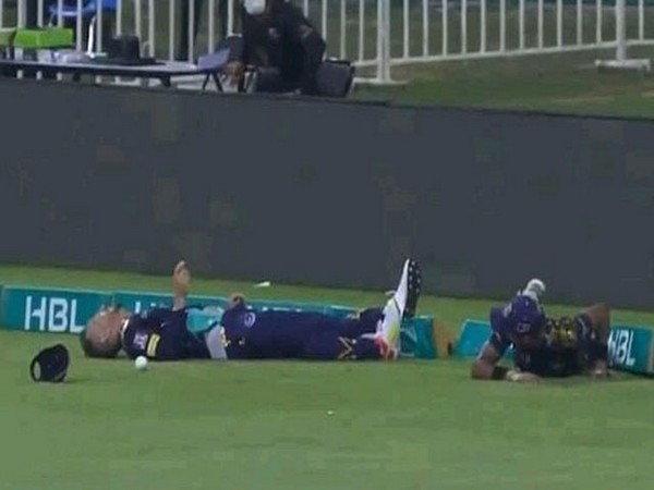 Faf du Plessis after collision with Mohammad Hasnain. (Photo: Twitter)