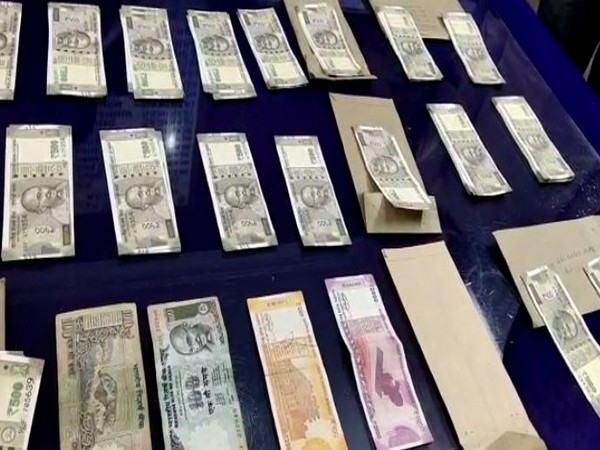 Fake currency seized by Srikakulam district police in Andhra Pradesh. Photo/ANI