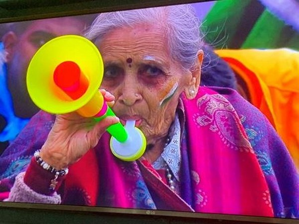 Indian fan during India-Bangladesh clash here on Tuesday. (Photo/ Michael Vaughan Instagram)