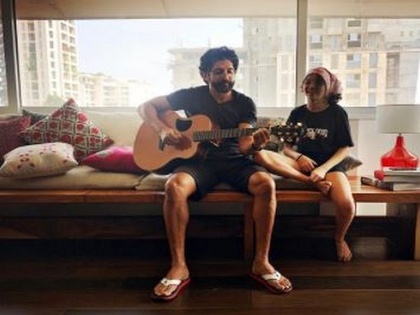 Filmmaker Farhan Akhtar with daughter Akira Akhtar (Image Source: Instagram)