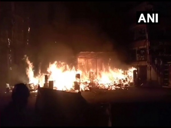 Fire at a shop in Shaheen Bagh