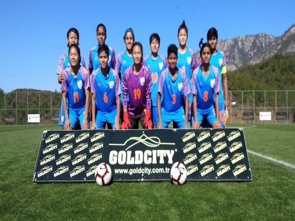 Indian women's football team (Image courtesy Indian Football Team Twitter)
