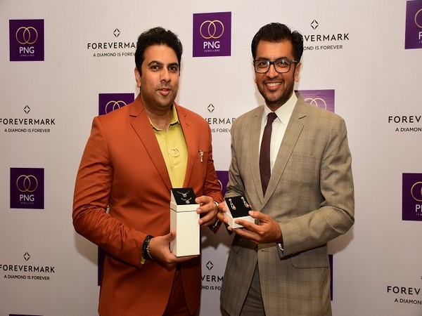 Saurabh Gadgil, Chairman and Managing Director, PNG Jewellers and Sachin Jain, President, Forevermark India