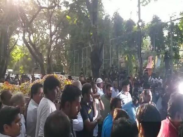 Body of late action director Veeru Devgan