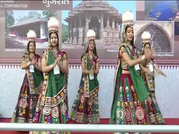Women peforming Garba in Gujarat. Photo/ANI