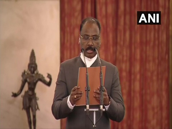 IAS officer GC Murmu taking oath as Comptroller and Auditor General (CAG) of India in Rashtrapati Bhavan on Saturday.