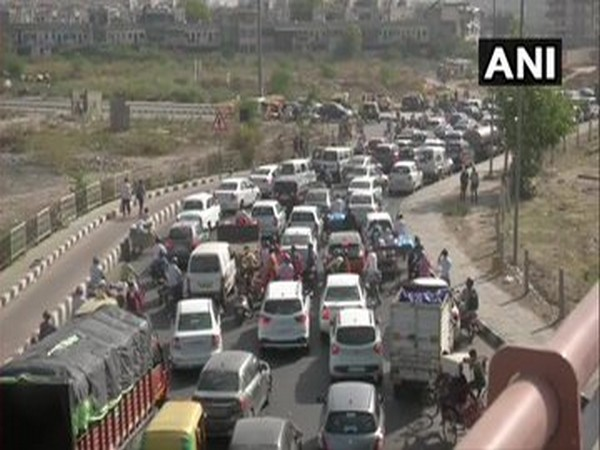Traffic congestion was seen at Delhi-Ghaziabad border amid coronavirus lockdown. [Photo/ANI]