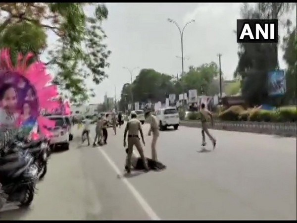 Visual of convoy being attacked in Warangal (Photo/ANI)
