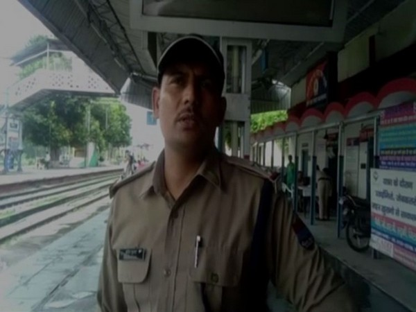 Sub-Inspector, GRP, Amit Kumar speaking to ANI in Roorkee. Photo/ANI