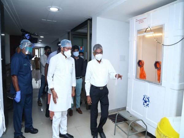 G Kishan Reddy at a Hyderabad hospital. (Photo: G Kishan Reddy/Twitter))