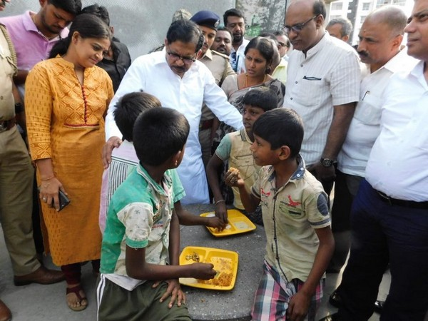 Karnataka Deputy Chief Minister G Parmeshwara during his visit to Indira Canteens on Thursday. Photo/ANI