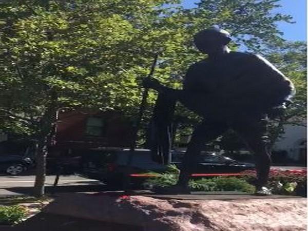 Mahatma Gandhi statue in Washington