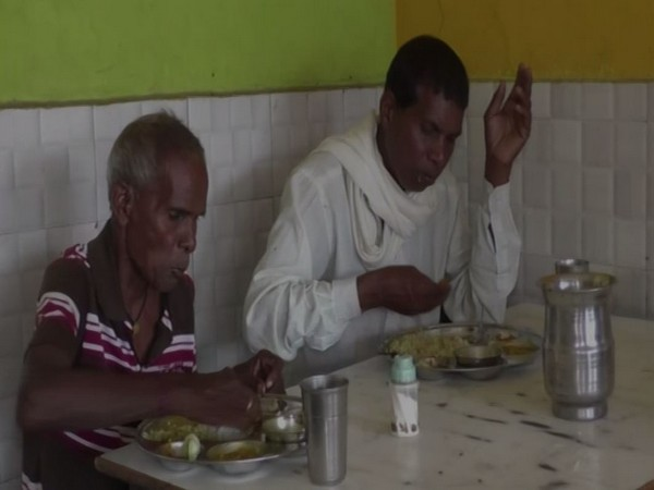 Visuals of people eating food in Ambikapur, Chhattisgarh