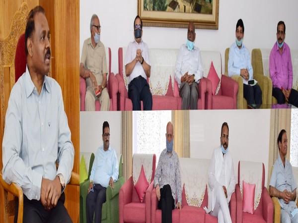 A delegation of Baba Amarnath and Buda Amarnath Yatri Niyas called on Jammu and Kashmir Lieutenant Governor Girish Chandra Murmu at Raj Bhavan in Jammu on Saturday.
