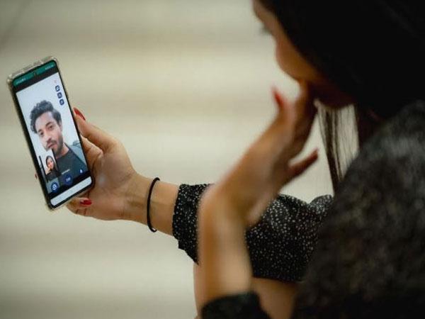 Girl enjoying the video conversation on Meet7