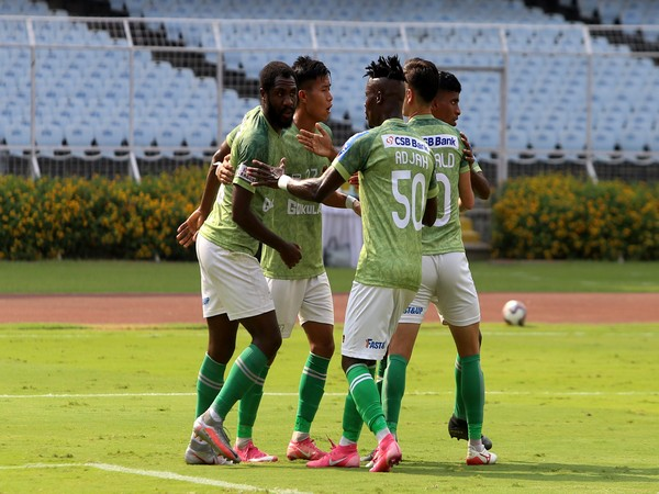 Gokulam Kerala FC players celebrate after Dennis Antwi (L) equalised from the spot. (Photo/ AIFF)