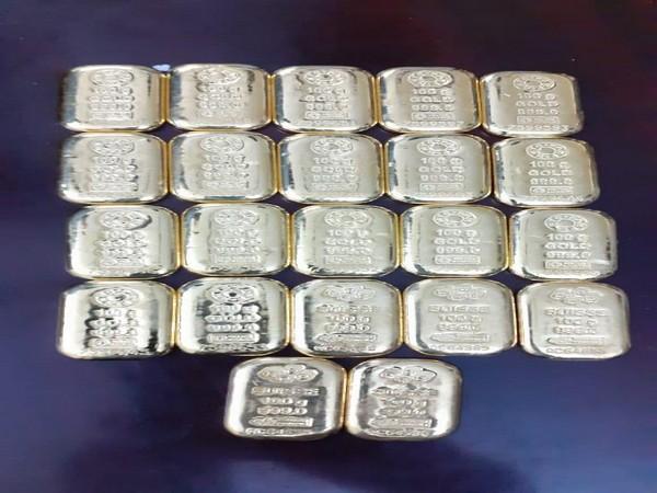 Gold seized by DRI Hyderabad Zonal Unit. Photo/ANI