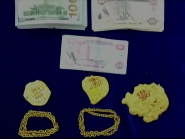The seized gold and foreign currencies (Photo/ANI)