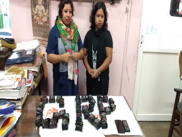 Guwahati GRP arrested two women with 175 small pouches containing 34,100 Yaba tablets (drug)