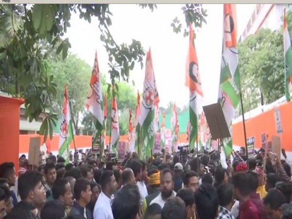 Congress workers on Saturday held a protest against CAA. Photo/ANI