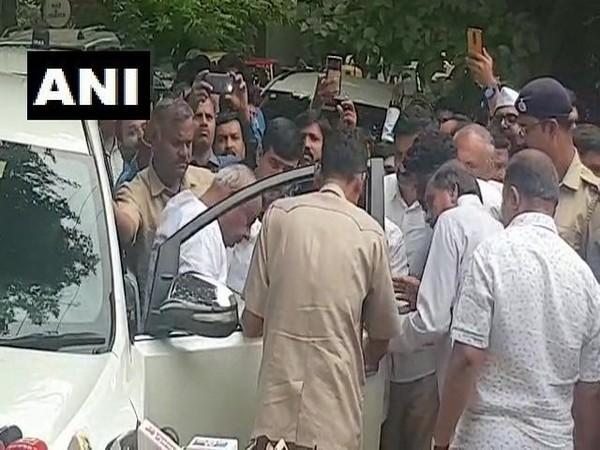 Janata Dal (Secular) leader HD Deve Gowda arrives at the residence of former Karnataka CM, SM Krishna
